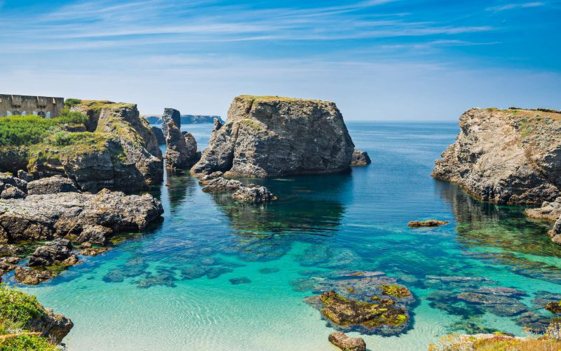 Quelles communes de France assurent des vacances moins chères ?